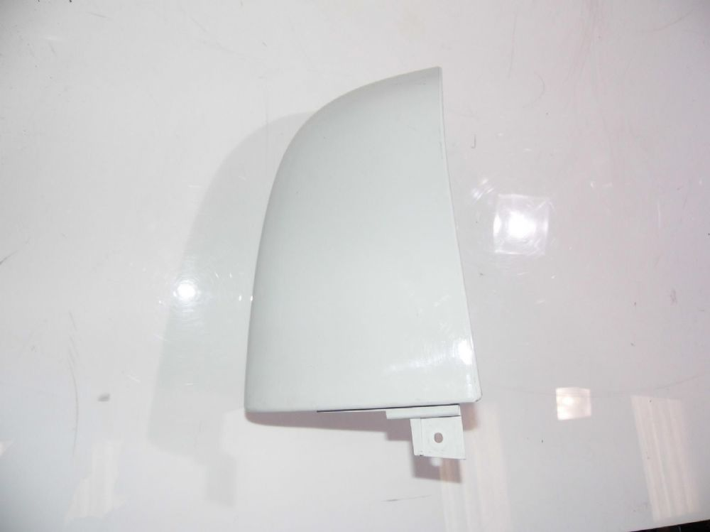 Renault Trafic III Upper Right Rear Trim Above Lamp In White 903901073R